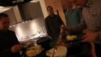 9. Varmrökt lax med kogepärer och rom-curry-sås